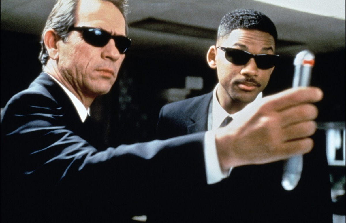 Leaders of Catholic Church Gather to Watch 'Men in Black II' & Build Memory-Erasing Machine