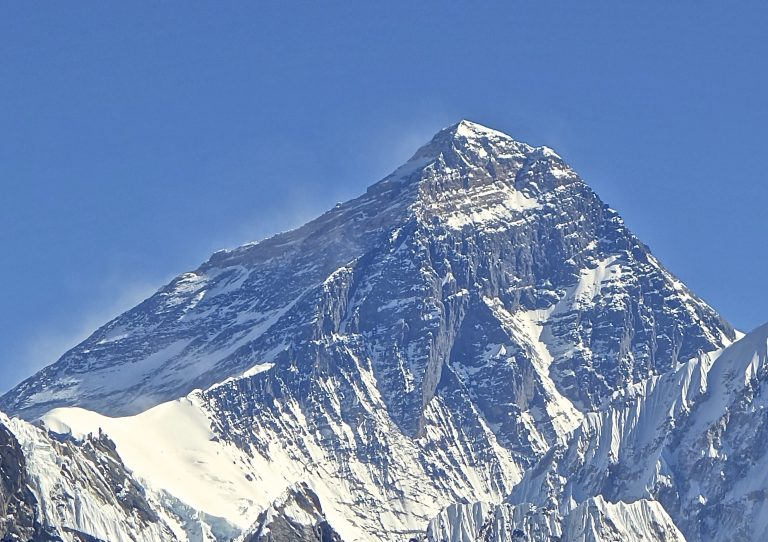 Piling Bodies, Trash & Feces Make Mount Everest 9 Feet Taller Every Week