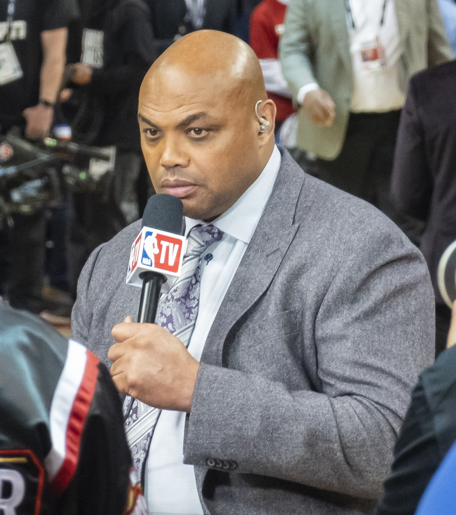 charles barkley hospitalized after lodging entire foot in mouth